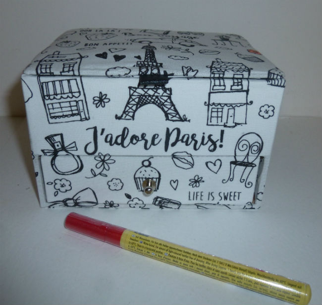 petit-coffret-paris-a-colorier